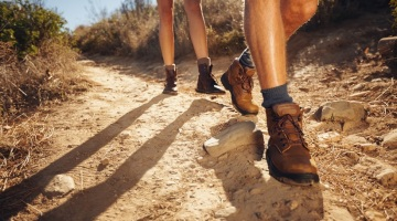 hiking-in-woodland-hills-top-of-topanga