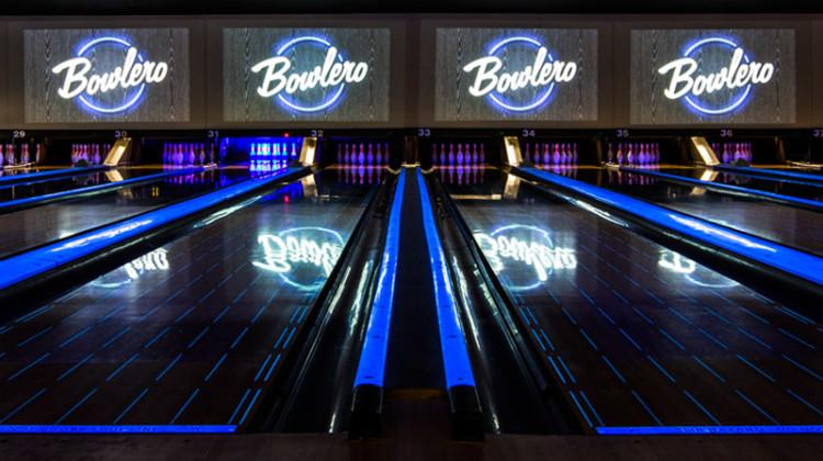 bowlero-woodland-hills-bowling-lanes