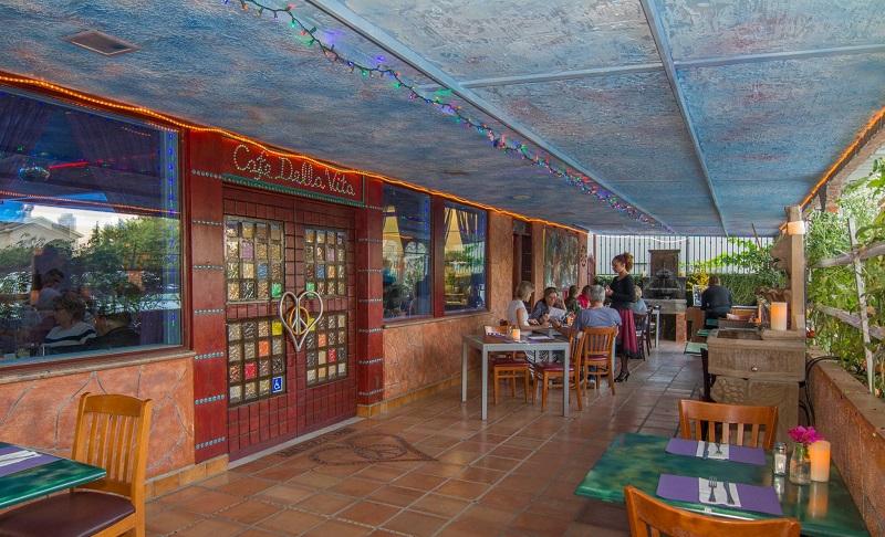Cafe De La Vita West HIlls Italian Dining