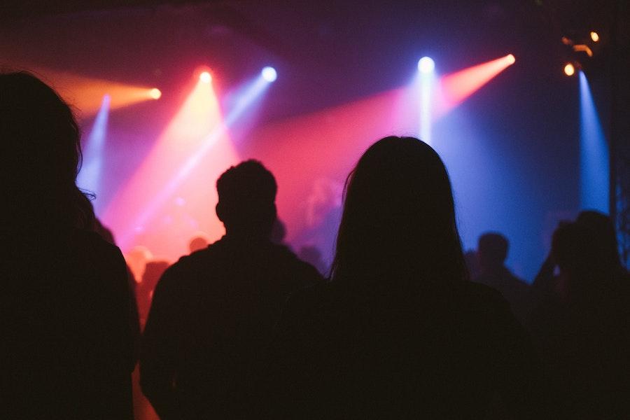 lights crowd at concerts at warner park